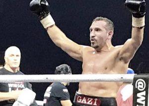 Boxer Firat Arslan im Ring